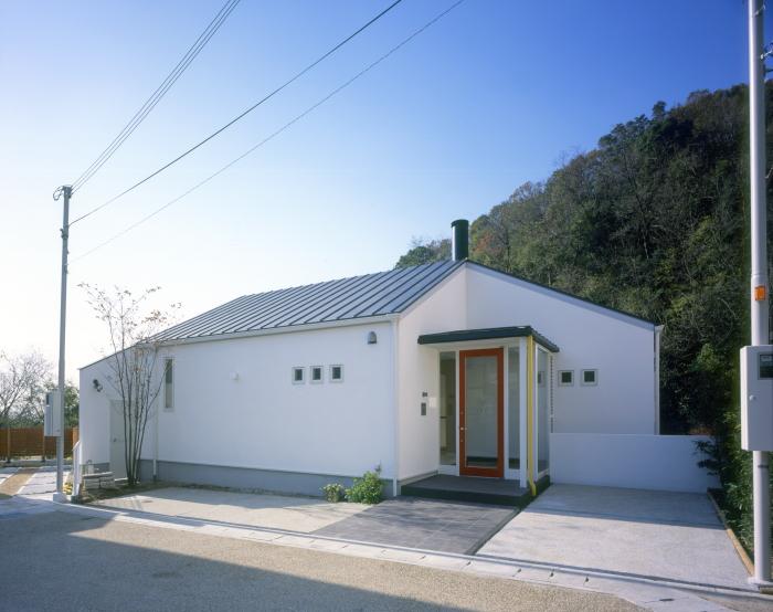 高座川畔の家